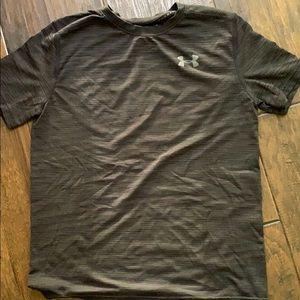 Under Armour Boys T-shirt Size Large